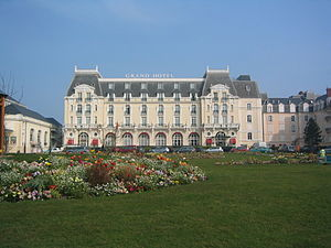 CabourgHotel.jpg
