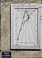 Cadran solaire, place de la cathédrale (Belley).jpg