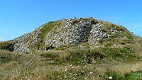 Cairn primaire île Carn, vu du nord.JPG