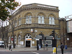 Camden Road railway station 1.jpg