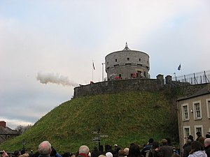 Siege of Drogheda - A cannon firing in a re-enactment at the modern Millmount Fort