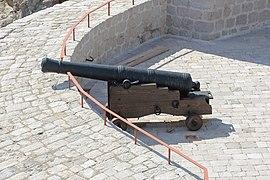 Cannon on Bokar Fortress, Dubrovnik 01.jpg