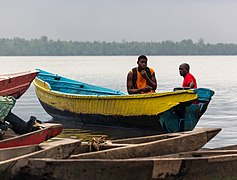 Canoe riding on the Wouri river 2.jpg