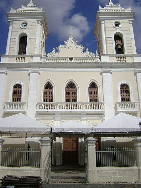 A Equipe Lee Telemensagem parabeniza a cidade de Feira de Santana pelos seus 136 anos.