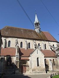 Chablis - Collégiale Saint-Martin 02.jpg
