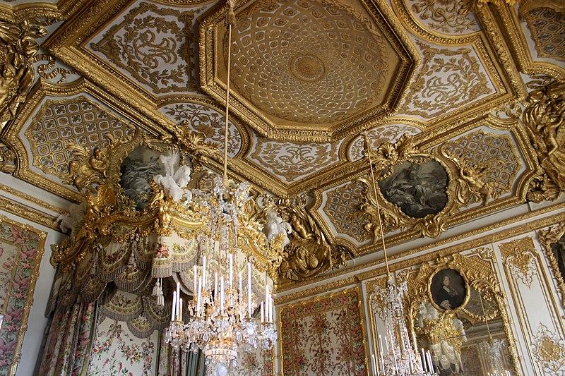 File chambre de la reine versailles 01 jpg wikimedia for Chambre de la reine