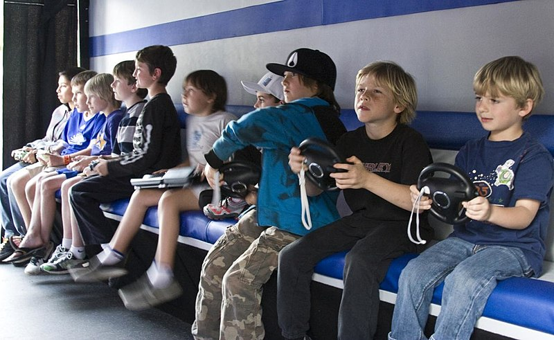 File:Children playing video games.jpg