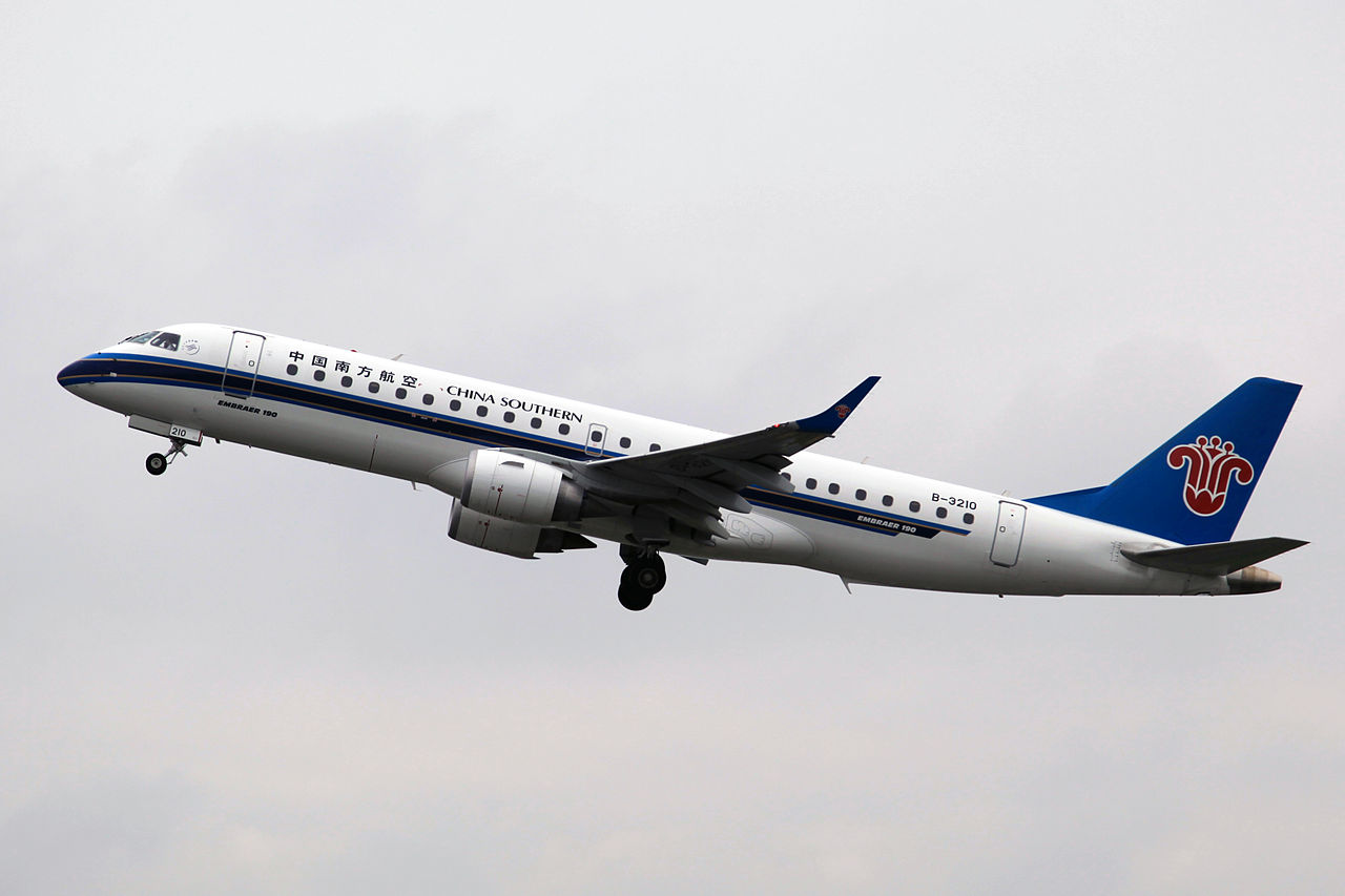 File china southern airlines erj 190lr b 3210 8723368514 - China southern airlines hong kong office ...
