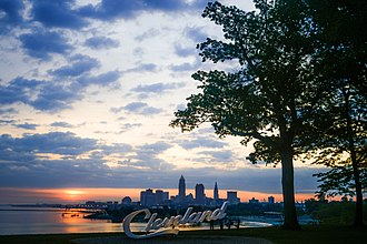 Downtown Cleveland from Edgewater Park. Cleveland Skyline (34826840941).jpg