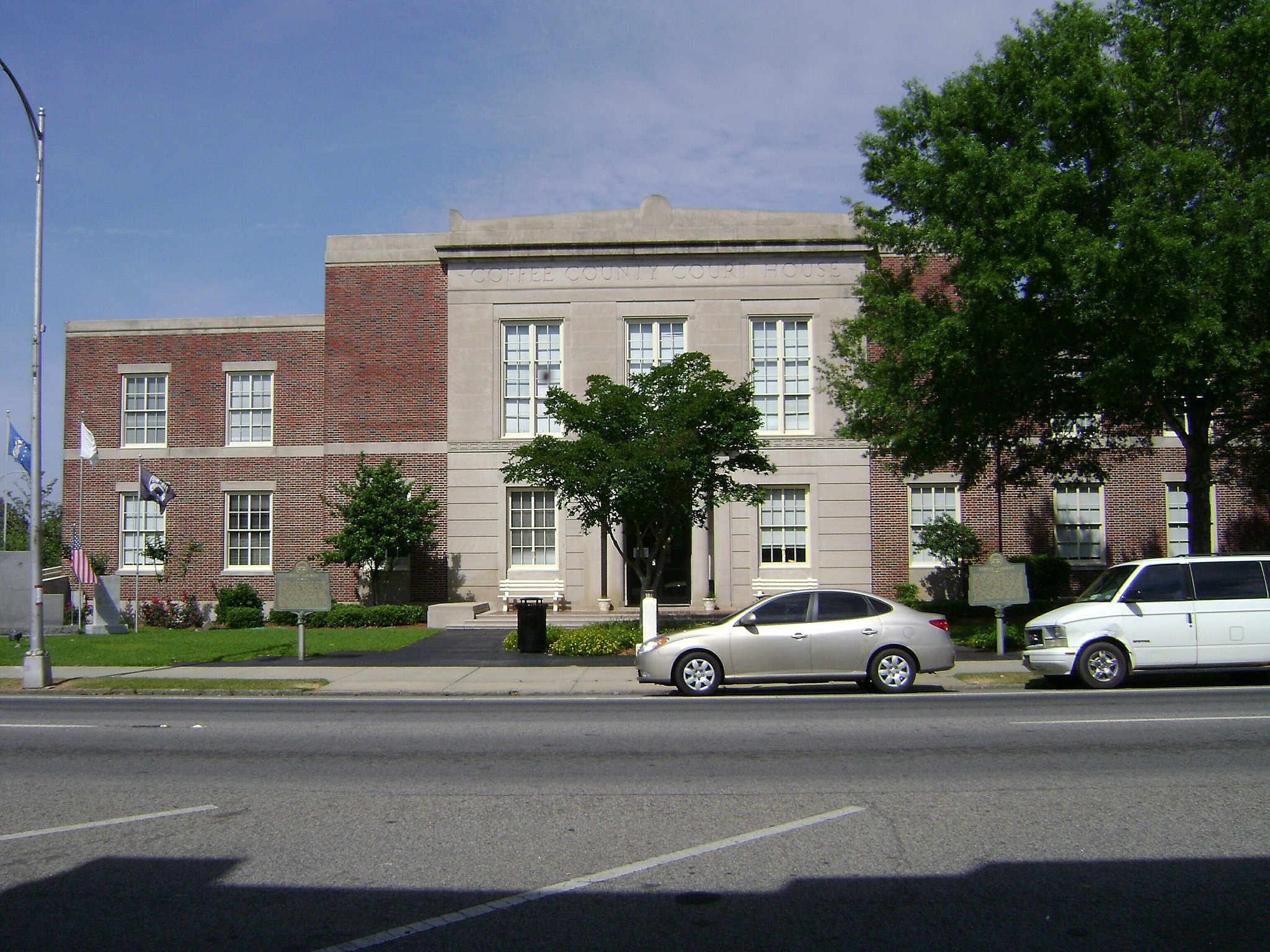 Coffee County Courthouse2012