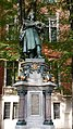 Copernicus Statue, Jagiellonian University.jpg