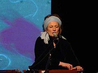 Corin Curschellas - Corin Curschellas in her solo program «Mono» 2005: song, music, film plane.
