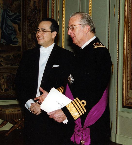 File:Cropped Amb Federico Cuello Presents Credentials to King Albert II - Brussels 16 2 2005.jpg