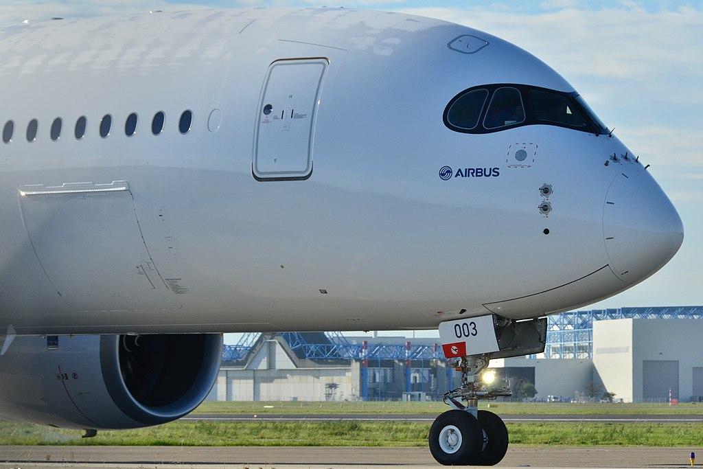 Airbus A350 ( avion a reacción de fuselaje ancho Unión Europea ) 1024px-DSC_8003-F-WZGG_-_MSN_003_%2810512991673%29
