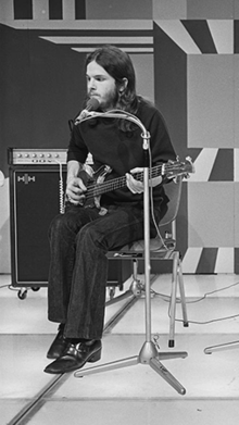 Peek performing in 1972
