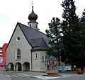 Davos – Evang. –ref. Kirche und Skistürze-Brunnen - panoramio.jpg