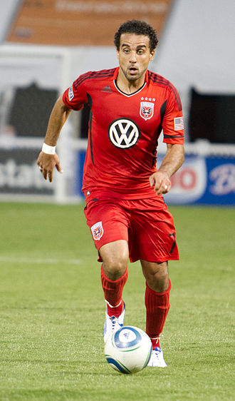 Dwayne De Rosario - De Rosario playing for D.C. United in 2011