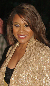 Deborah Cox fotografata durante la Mercedes-Benz Fashion Week