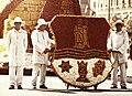 Debrecen, Piac utca Virágkarnevál, a Lenin Kohászati Művek kocsija. Fortepan 77913.jpg