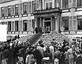 Defilé langs paleis Soestdijk ter gelegenheid van de verjaardag van koningin Jul, Bestanddeelnr 907-7265.jpg
