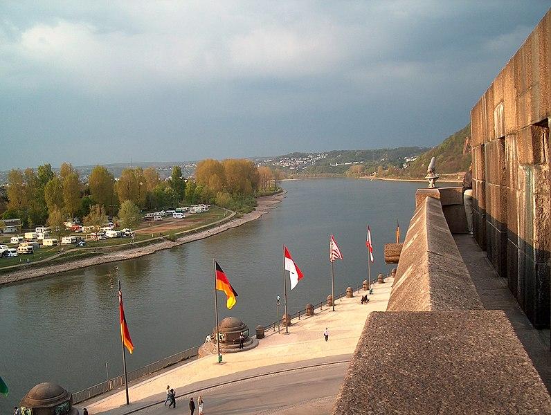 File:Der Rhein am Deutschen Eck in Koblenz - panoramio.jpg