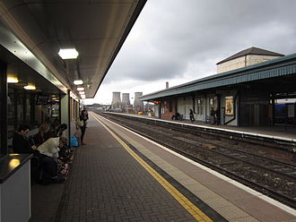 Didcot Parkway railway station - Looking westwards from Platform 1