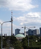 Donauturm,_Islamisches_Zentrum_Wien,_Vienna_International_Center,_Donau_City_2007.jpg