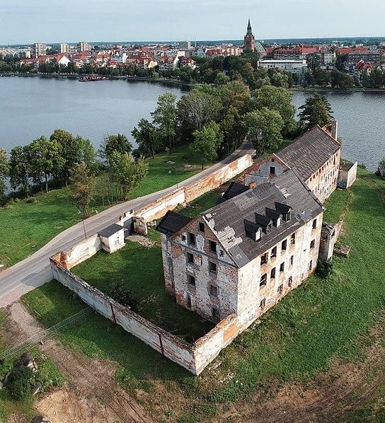 File:Ełk zamek 09.09.2017 RT.jpg