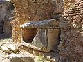 Efeso, grotta dei sette dormienti 11 sarcofago.JPG