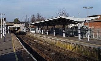 Elmers End station - Image: Elmers End station MMB 02