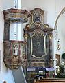 Eriskirch-Mariabrunn Pfarrkirche Seitenaltar links und Kanzel.jpg