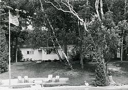 Ernest Hemingway Cottage Walloon Lake MI2.jpg