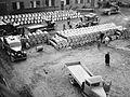 Evakuering av asfaltfat fra Vallø Oljeraffineri - Vallø 1940 evakuering av asfaltfat.jpg