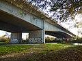 FR 17 Taillebourg - Pont de l'autoroute A10 au-dessus du fleuve Charente.jpg