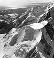 Fairweather Glacier, snow field and mountain glaciers, August 24, 1963 (GLACIERS 5433).jpg