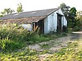 Farm shed beside footpath - geograph.org.uk - 1422615.jpg