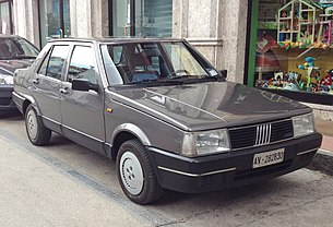 Fiat Regata berlina.JPG