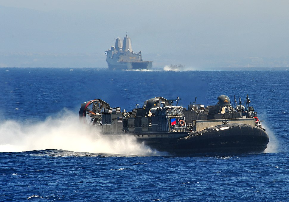 Flickr - Official U.S. Navy Imagery - A Landing Craft Air Cushion transits the Pacific Ocean.