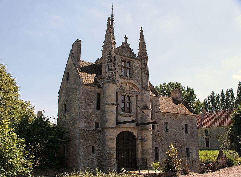Fontaine-Étoupefour Château.JPG