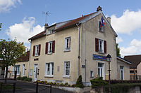 Fontenay-le-Vicomte IMG 2179.jpg