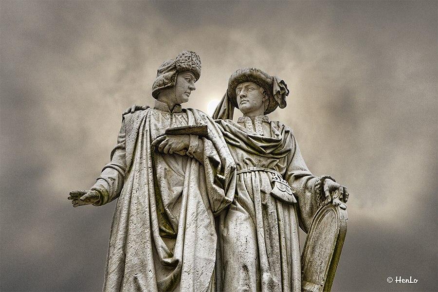Standbeeld van de gebroeders Van Eyck, geboren in Maaseik