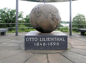 Lichterfelde (Berlin) - Gedenktafel Schütte-Lanz-Str 25 (Lichf) Otto Lilienthal