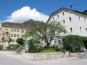 Jenbach - Image: Gemeindeamt Jenbach 20060814