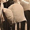 Gens de l'alpe Musée dauphinois 2020 abc60 Coiffe à barbes.jpg