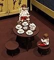 Germania, bamboline con servizio da caffè (1900 ca.) e seggiolone, 1920 ca. (coll. giocattoli antichi di roma capitale).jpg