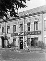 Gevel van een bijkantoor van de Eerste Hollandsche Levensverzekerings Bank in Br, Bestanddeelnr 189-1328.jpg