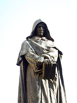 Statue of Giordano Bruno - Close-up of the statue.