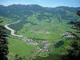 Giswil - View of Giswil from neighboring mountains