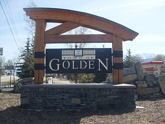 Golden, British Columbia - Golden's welcome sign
