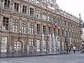 Hôtel de Ville Valenciennes (fontaines).jpg